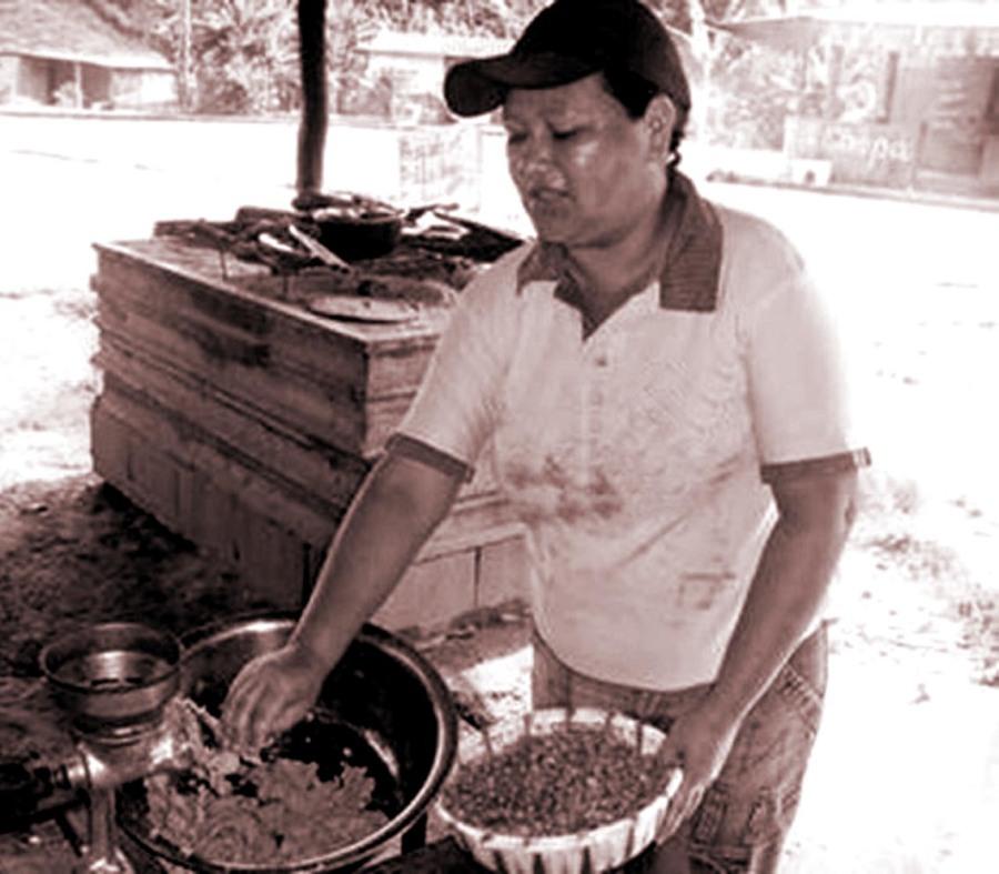 La opción de pilar y moler en la casa también fue una costumbre de algunas familias, tradición que aún se mantiene en algunas regiones del país.
